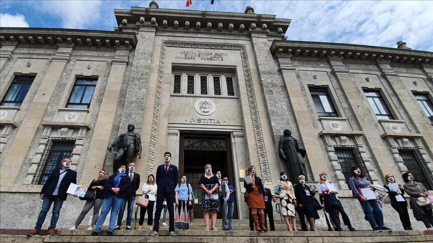 Ιταλία: Συγγενείς θυμάτων κορονωϊού, ζητούν αποζημίωση 100 εκατομμυρίων ευρώ