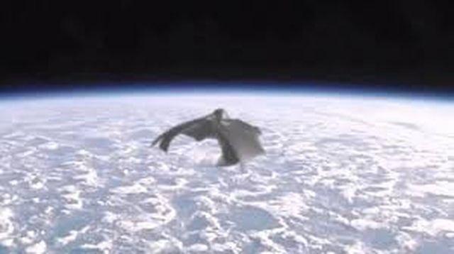 Ποιος είναι ο μυστηριώδης αρχαίος δορυφόρος μαύρος ιππότης;