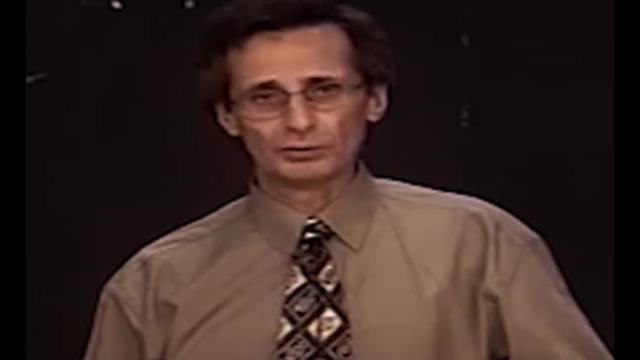 ΔΡ PIERRE GILBERT ΤΟ 1995: «Ο ΥΠΟΧΡΕΩΤΙΚΟΣ ΕΜΒΟΛΙΑΣΜΟΣ ΘΑ ΚΑΤΑΣΤΗΣΕΙ ΔΥΝΑΤΟ ΤΟΝ ΕΛΕΓΧΟ ΤΩΝ ΑΝΘΡΩΠΩΝ» (βίντεο)
