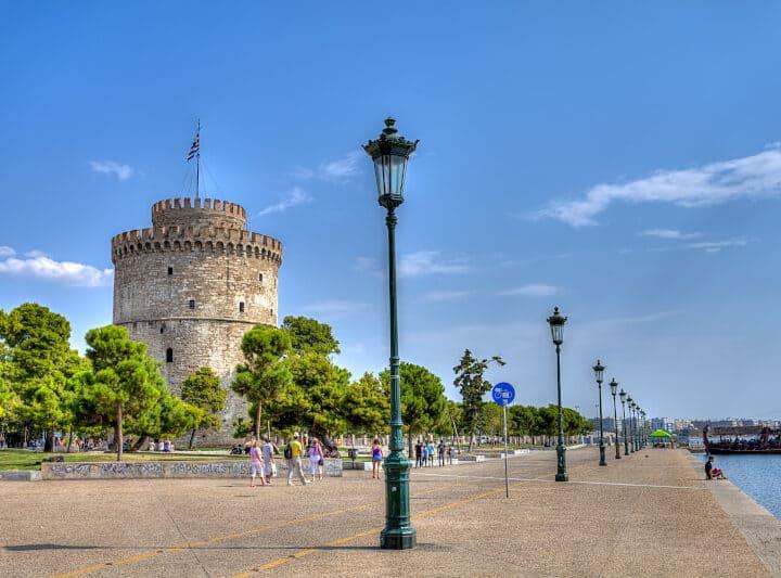 Θεσσαλονίκη: Άνοιξαν τα μαγαζιά και μειώθηκαν μέχρι 50% τα ενεργά κρούσματα