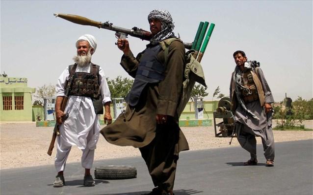 Οι Ταλιμπάν στηρίζουν την εκστρατεία εμβολιασμού…