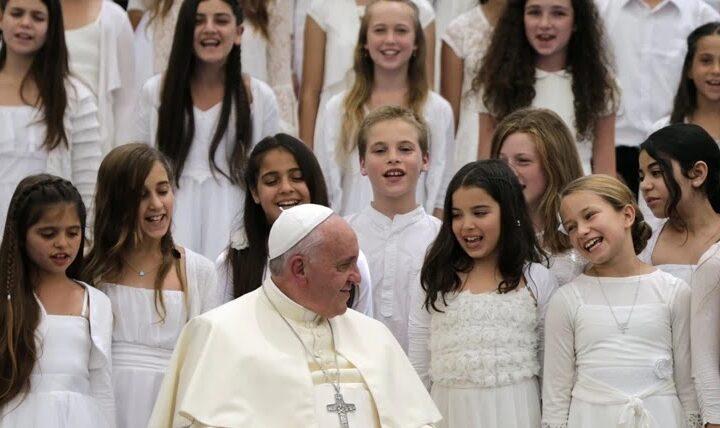 Φρικιαστικό σκάνδαλο στους κόλπους της ΓαλλικήςΚαθολικής Εκκλησίας με θύματα εώς 330.000 παιδιά! (βίντεο)
