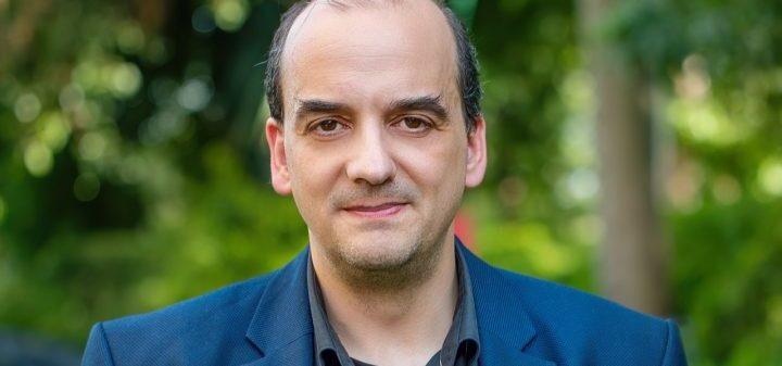 Κ.Φαρσαλινός: «Στην πανδημία ο μεγαλύτερος εχθρός είναι η αλήθεια – Πρόκειται για έναν ανύπαρκτο πόλεμο»